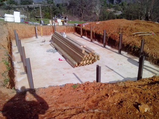 Préparation du sol avant mise en place d'une piscine bois