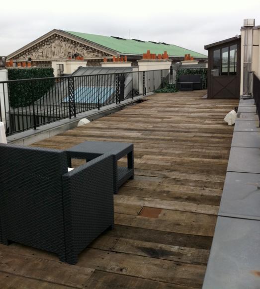 Terrasse balcon en parquet Wagon dans Paris 8ème