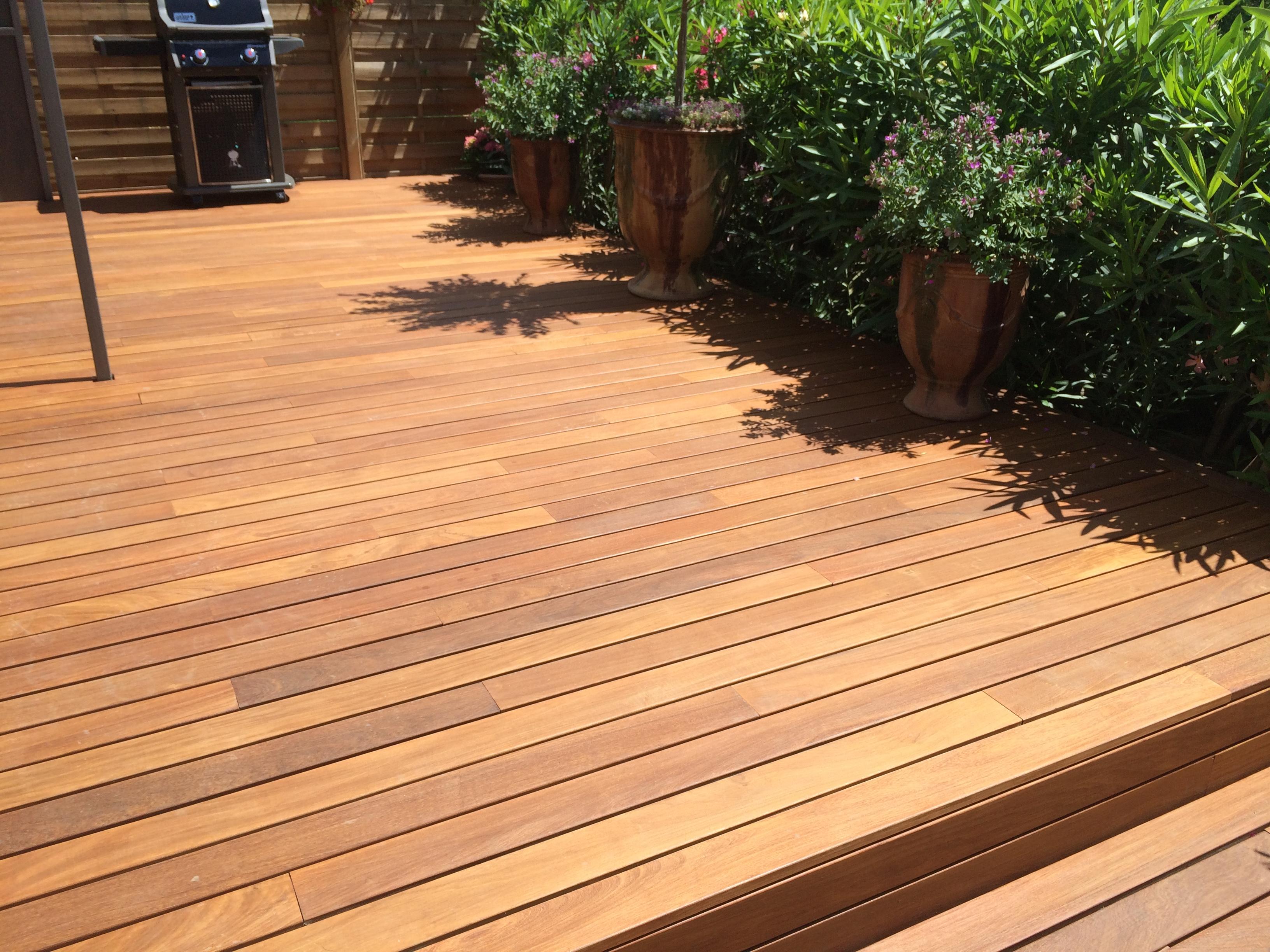 Terrasse bois à Uzès